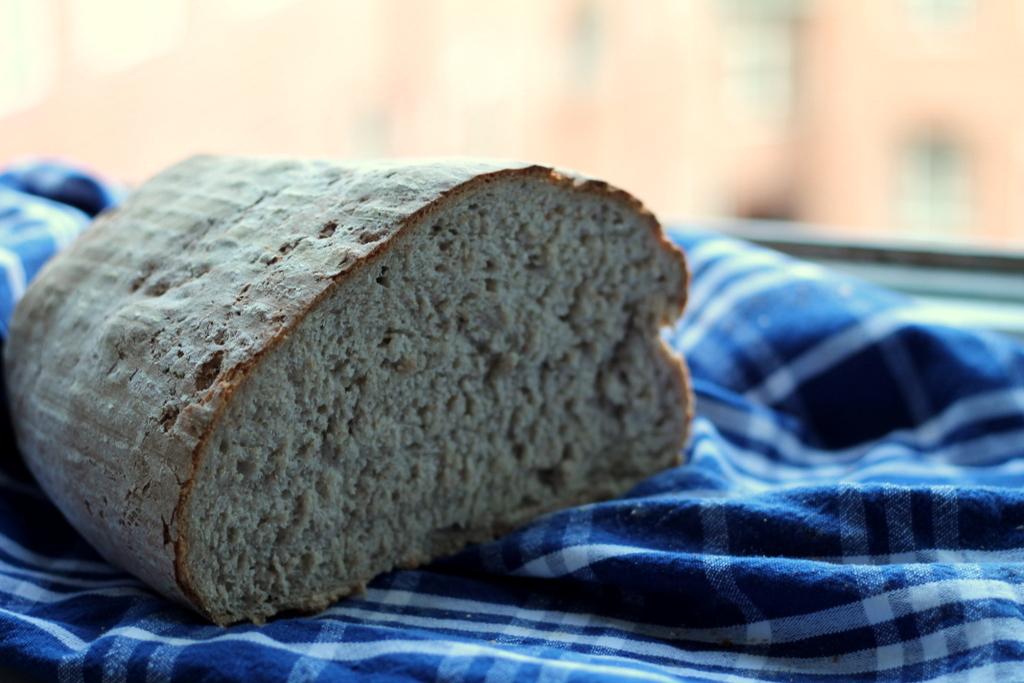 segt bröd med stora bubblor